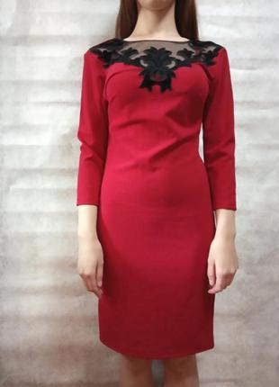Платье женское красное с кружевом