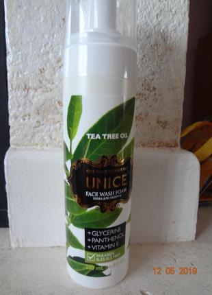 Очищающая пенка для умывания с чайным деревом для проблемной к...