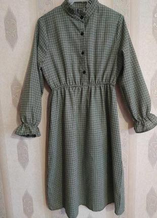 Платье в актуальную клетку р.s