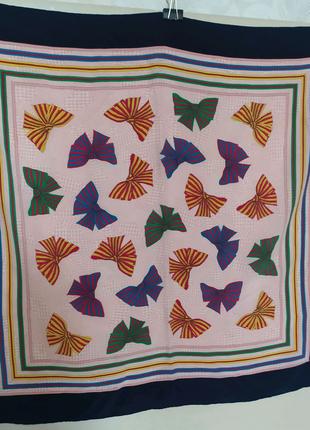 Шелковый подписной французский  платок  Rochas  Paris