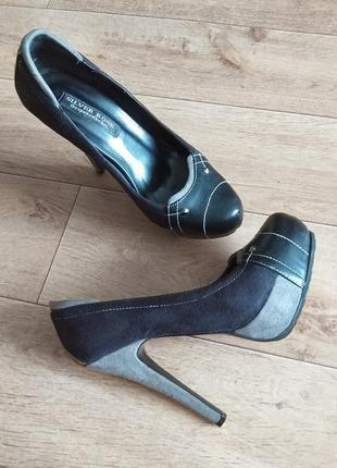 Туфли черные, высокий каблук