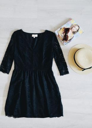 Ажурное черное платье v-образный вырез