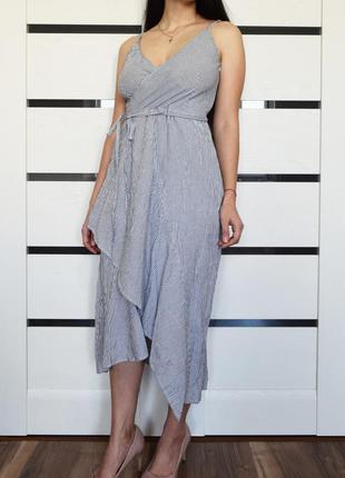 Платье с воланами (новое, с биркой) warehouse