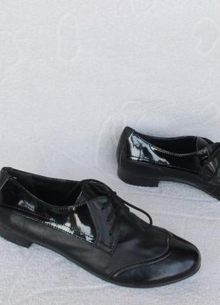 Кожаные туфли на шнурках, оксфорды, броги 36,37 размера на низ...