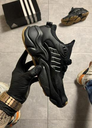 Adidas magmur runner triple black.