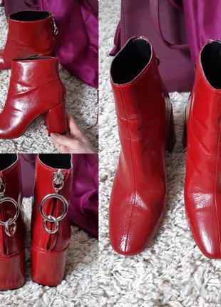 Мега шикарные  красные лакированные ботинки на толстом каблуке...
