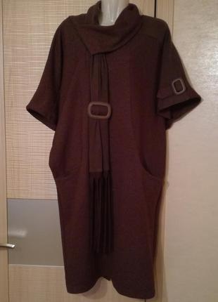 Теплое свободное платье оверсайз под горло рукава летучая мышь...