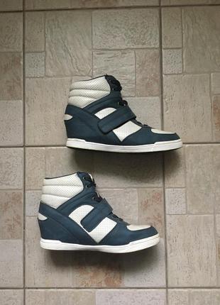 Сникерсы ботинки кроссовки на платформе кеды