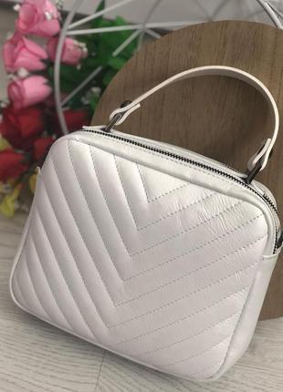 Шикарная сумочка-кроссбоди vera pelle италия белая.