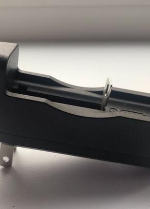 Новое зарядное устройство для батареек 18650 , AA, AAA