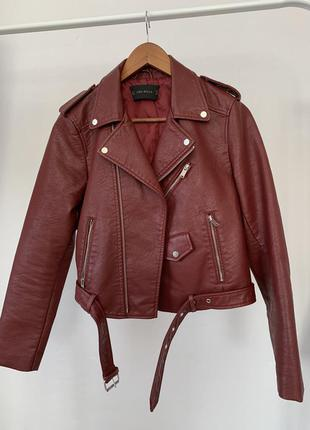 Бордовая куртка,косуха