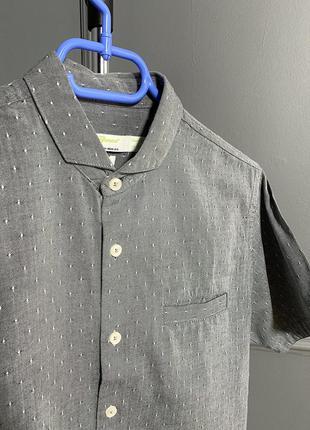 Рубашка короткий рукав шведка серая в узор интересный воротник...