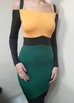 Платье по фигуре на бретелях 44(м,с)
