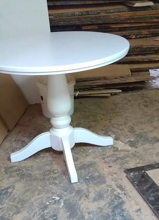Стол деревянный круглый в диаметре 90см.
