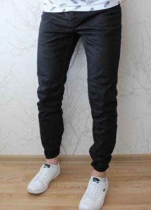 Стильные мужские джинсы чёрные
