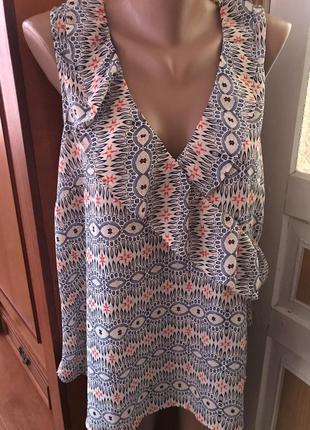Стильная блузка с рюшей
