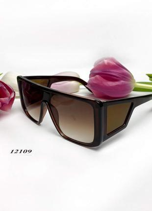 Коричневые солнцезащитные очки-маска к.12109