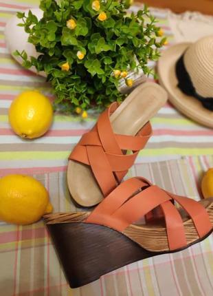 Трендовые оранжевые шлепки босоножки сабо мюли на платформе