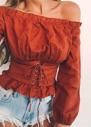 Кофта-блуза с открытыми плечами