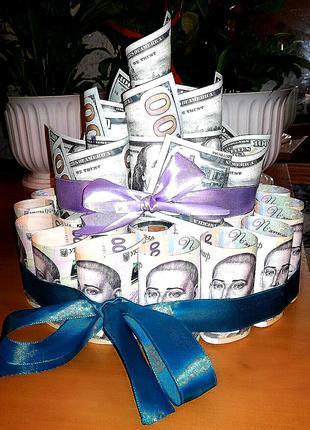 Тортик з сувенірних грошей та цукерок