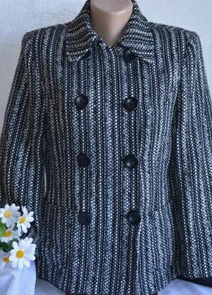 Брендовое черно-белое демисезонное пальто полупальто с кармана...