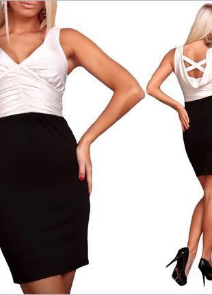 Черно-белое платье по фигуре
