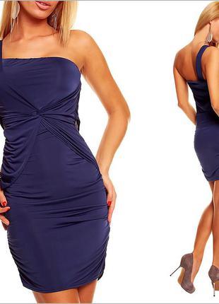 Темно-синее платье облегающее