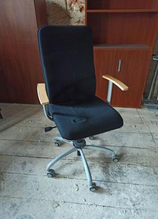 Кресла офисные - б/у