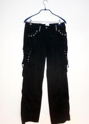 Нарядные брюки с блочками и шнуровкой
