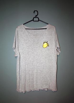 Тонкая футболка с вышитым лимоном