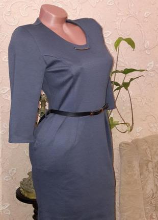 Красивое элегантное платье с поясом