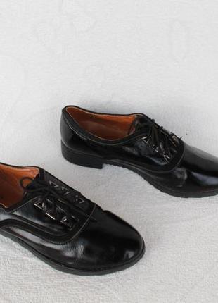 Кожаные туфли на шнурках, оксфорды, броги 37 размера на низком...