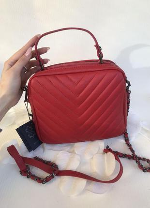 Шикарная сумочка-кроссбоди vera pelle италия красная