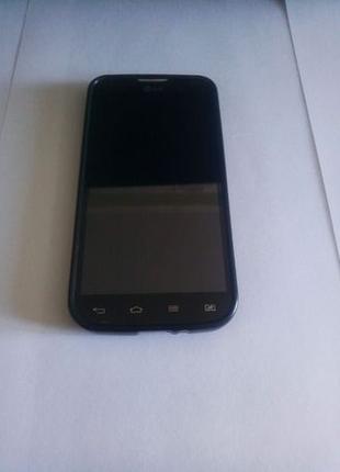 Мобильный телефон LG Optimus L90 DualSim 8ГБ