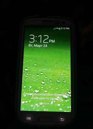 Телефон Samsung i9300