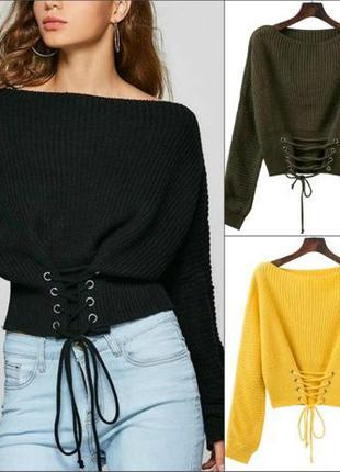 Женский вязаный свитер со шнуровкой спереди
