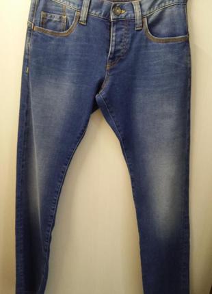 Распродажа мужского отдела джинсы