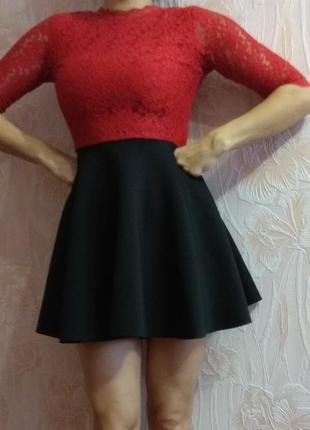 Шикарное нарядное платье с пышной юбкой р. 42-44