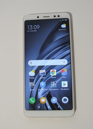 Мобильный телефон Xiaomi Redmi Note 5 3/32GB Gold + чехол