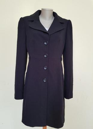 Классическое базовое весеннее пальто