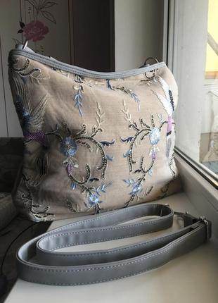Сумка из льна с ручной вышивкой из бисера