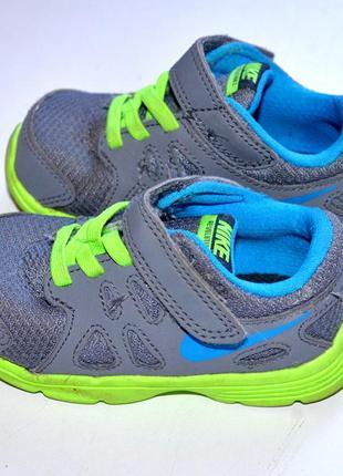 Nike  кроссовки   22-й, на стопу12 см