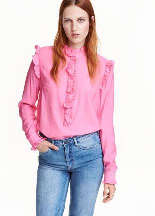 Шикарная вискозная рубашка,в свободном крое,с воланами