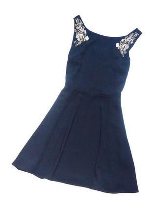 Oasis. маленькое черное платье расшитое бисером и камнями. хл....