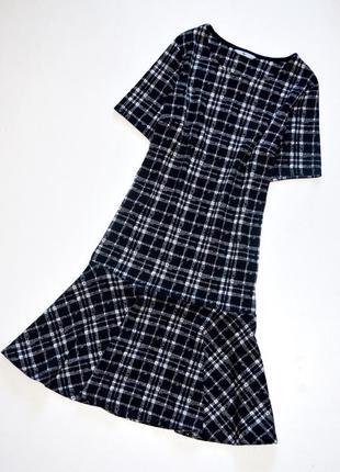 Tu. стильное трикотажное платье в клетку. л. 12. 40