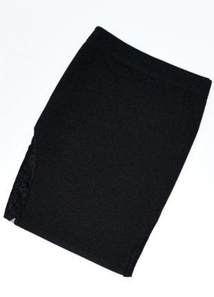 Черная мини юбка с кружевными вставками