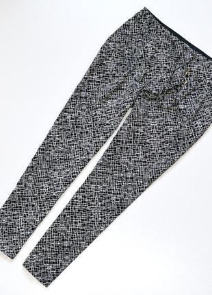 Легкие брюки с карманами