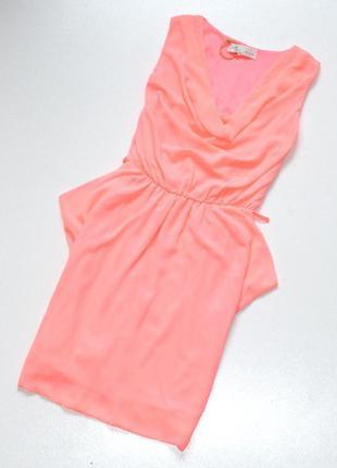 Красивое платье неонового цвета