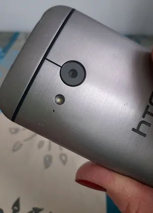 HTC one mini 8