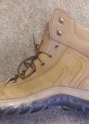 Ботинки коричневые 34 размер